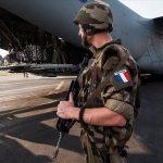 Terrorisme : « Faut-il craindre un éventueldépart de la France du Sahel?